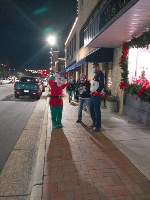 A BUSY DOWNTOWN | Laurinburg Exchange